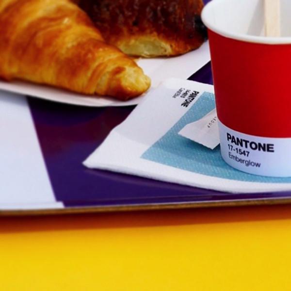 Pantone-Cafe2